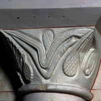 Chapiteau de l'arc doubleau entre les première et deuxième travées (2000)