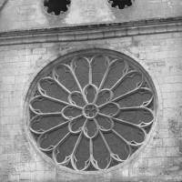 La rose et les oculi de la façade nord du transept (1997)
