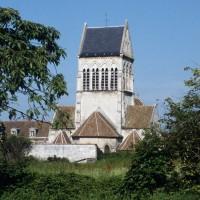 L'église dans son environnement vue de l'est (1997)