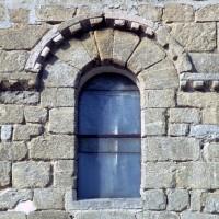 Fenêtre haute du mur sud de la nef (1972)