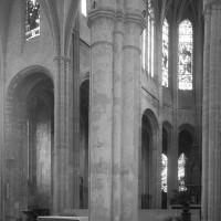 Vue partielle du transept et du choeur vers le nord-est (1997)