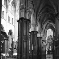 Le bas-côté sud de la nef vu vers le nord-est