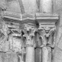 Chapiteaux à la retombée droite de la seconde arcade de l'ancienne chapelle sud (1996)