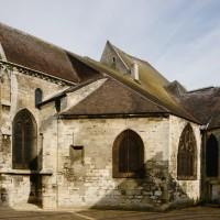 Vue partielle de l'église depuis le sud (2015)