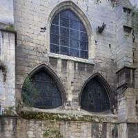 Façade nord-ouest de la nef du milieu du 13ème siècle (2015)