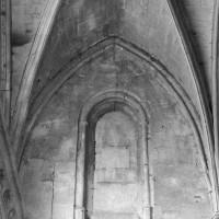 Vue partielle des parties hautes de la nef primitive (1995)