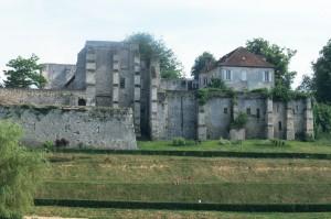 Vue générale du prieuré depuis le nord (1994)