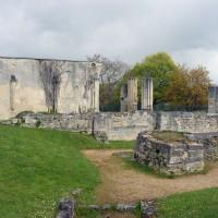 Les vestiges de l'église vues du sud (2016)