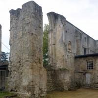 Vue partielle des vestiges de l'église depuis le nord-est (2016)