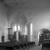 L'extrémité est de la nef vue vers le nord-est (1996)