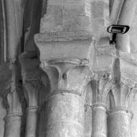 Les chapiteaux de la retombée nord de l'arc triomphal (1997)