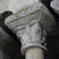 Le chapiteau de la baie ouest du clocher-porche (2016)