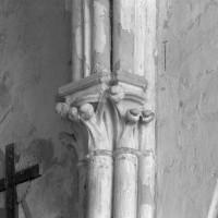 Chapiteaux de l'ancien choeur du 13ème siècle (1995)