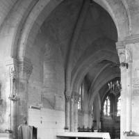 La première travée de l'ancien choeur du 12ème siècle vue vers le nord-est (1995)