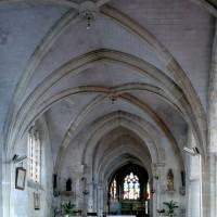 L'intérieur de la partie nord de l'église vu vers l'est (2008)