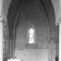 La première travée de l'ancien choeur du 12ème siècle vue vers le nord (1995)