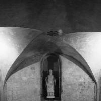 Les voûtes d'arêtes de la crypte (2016)
