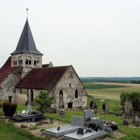 L'église dans son environnement vue du nord-ouest (2003)