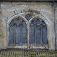 Fenêtre haute de la seconde travée de la nef, au nord (2017)