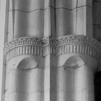 Détail d'un pilier de la croisée du transept (1997)