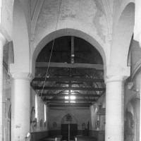 La croisée du transept et la nef vues vers l'ouest (1997)