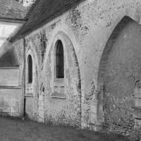 Le mur nord de la nef vu du sud-ouest (1974)