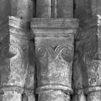 Chapiteaux du choeur du 12ème siècle (1995)