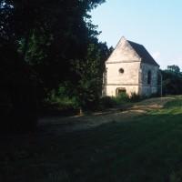 La chapelle dans son environnement vue du sud-ouest (1995)