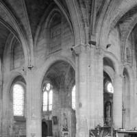 Vue partielle du bras nord du transept vers le nord-est (1997)