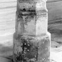 Base 14ème siècle de la double pile nord (1993)