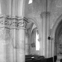 Vue partielle de la nef vers le sud-est depuis le bas-côté nord (1996)