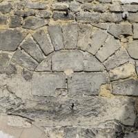 Porte romane au mur sud de la nef (2015)
