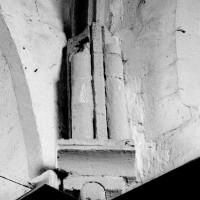Cul-de-lampe et ogive du 12ème siècle à l'angle nord-est du choeur (1994)