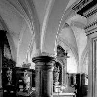 Vue partielle du choeur et de la chapelle sud vers le sud-est (1994)