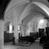 La nef et le bas-côté sud vus vers le sud-ouest depuis le choeur (1994)