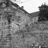 Le site de Rouffiac vu du nord-ouest avec, au fond, la chapelle(1990)
