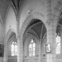 Vue partielle de la nef vers le nord-ouest (1994)