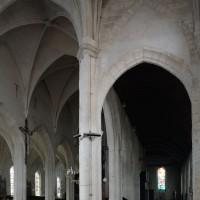 Vue partielle du transept et de la nef vers le sud-ouest (2016)