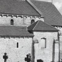 Vue partielle des parties est de la nef avec la chapelle du bas-côté sud (1991)