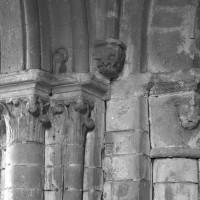 Chapiteaux de l'arcade sud de la base du clocher (1994)