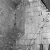 Passage du plan carré au plan octogonal du clocher dans les combles (1969)