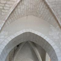 Vue partielle des voûtes de la chapelle sud et de la première travée du choeur vers le nord (2004)