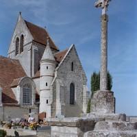 Vue partielle de l'église depuis le sud-ouest (2004)