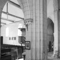 Vue partielle de la croisée du transept vers le nord-ouest (1980)