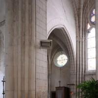 Vue partielle du bras nord du transept vers le nord-ouest (2018)