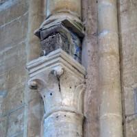 Chapiteau associé à l'ancienne poutre de gloire à l'arc triomphal du choeur