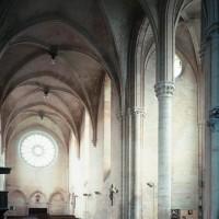 L'intérieur de l'église vu vers le nord-ouest
