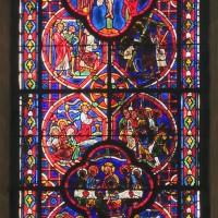 Le vitrail de la fenêtre médiane du mur du chevet (2019)