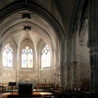 Le transept et le choeur vus  vers le sud-est (1996)