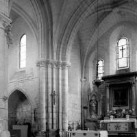 Vue partielle de la croisée, du choeur et du bras nord du transept vers le nord-est (1995)